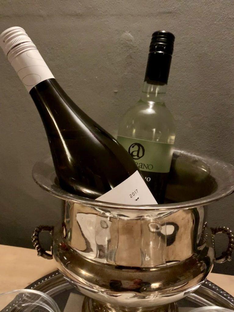 White-Tails-Restaurant-prosecco-white-wines